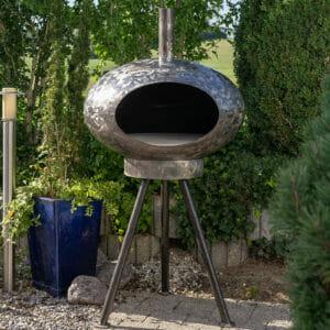 Pizza und Grillofen Cepa das Multigerät neu auch mit Dreibein. Für Ideale Grillhöhe.