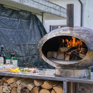 Pizza und Grillofen Cepa 80 das Multigerät aus Schweizer Produktion. Ideal für in den Garten.